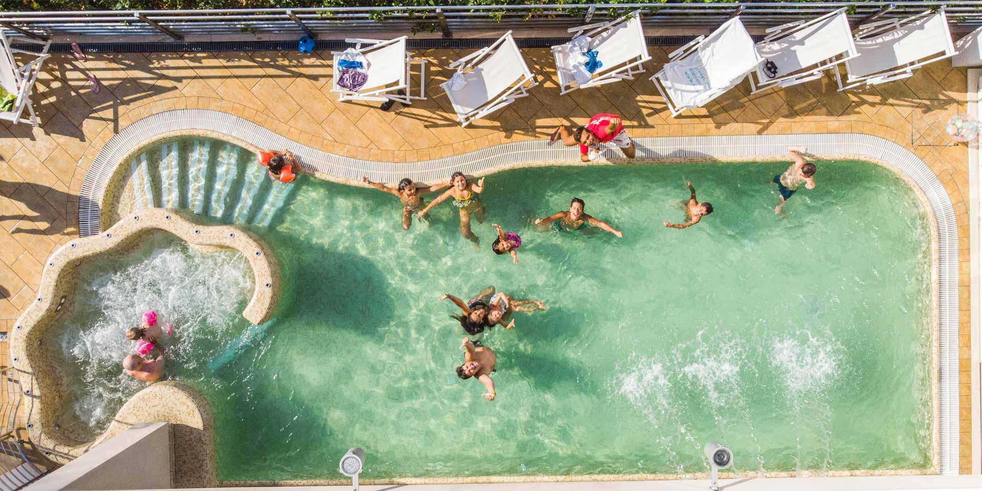 Piscina-hotel-adlon